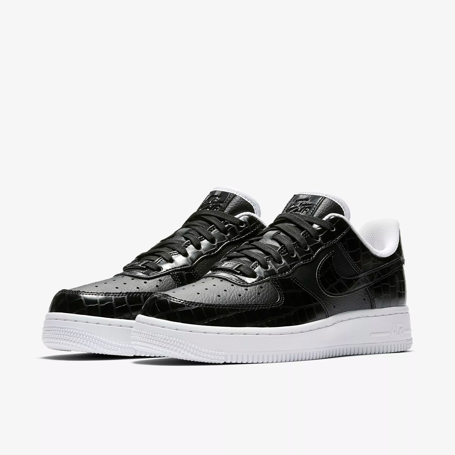 quality design 50a09 45efc Nike Wmns Air Force 1  07 Essential Sneakers - SPORT SHOES Lifestyle Shoes    Sneakers - Superfanas.lt