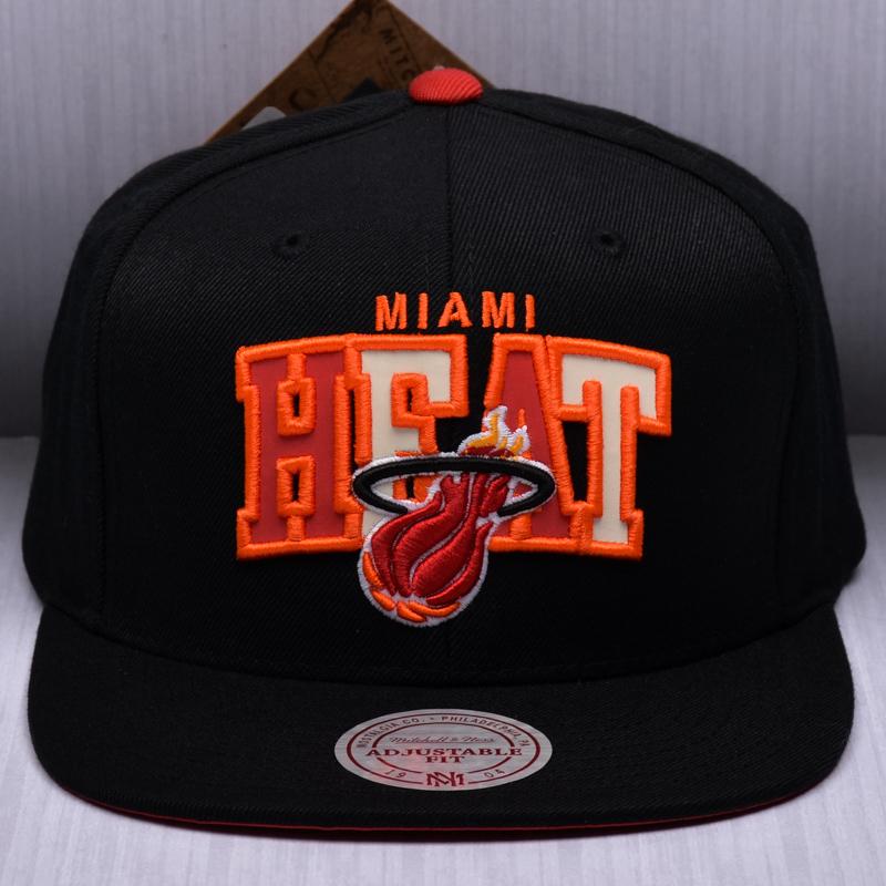 Mitchell   Ness NBA Miami Heat Reflective Tri Pop Arch Snapback Cap ... 907edd36f