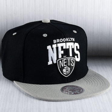 quality design 3216f ecea4 Mitchell   Ness NBA Brooklyn Nets Team Arch Snapback Cap ...
