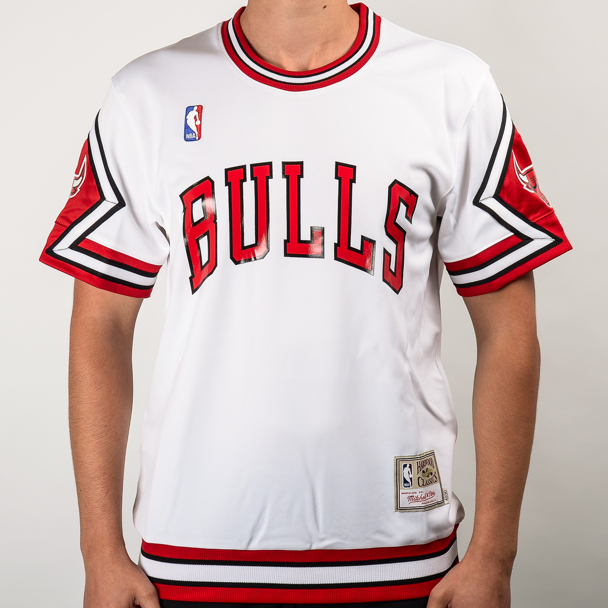 more photos b1073 cf479 Mitchell & Ness NBA Chicago Bulls Authentic Shooting Shirt ...