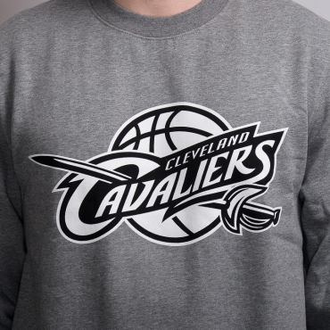 Mitchell & Ness NBA Cleveland Cavaliers Black And White Logo Crew džemperis