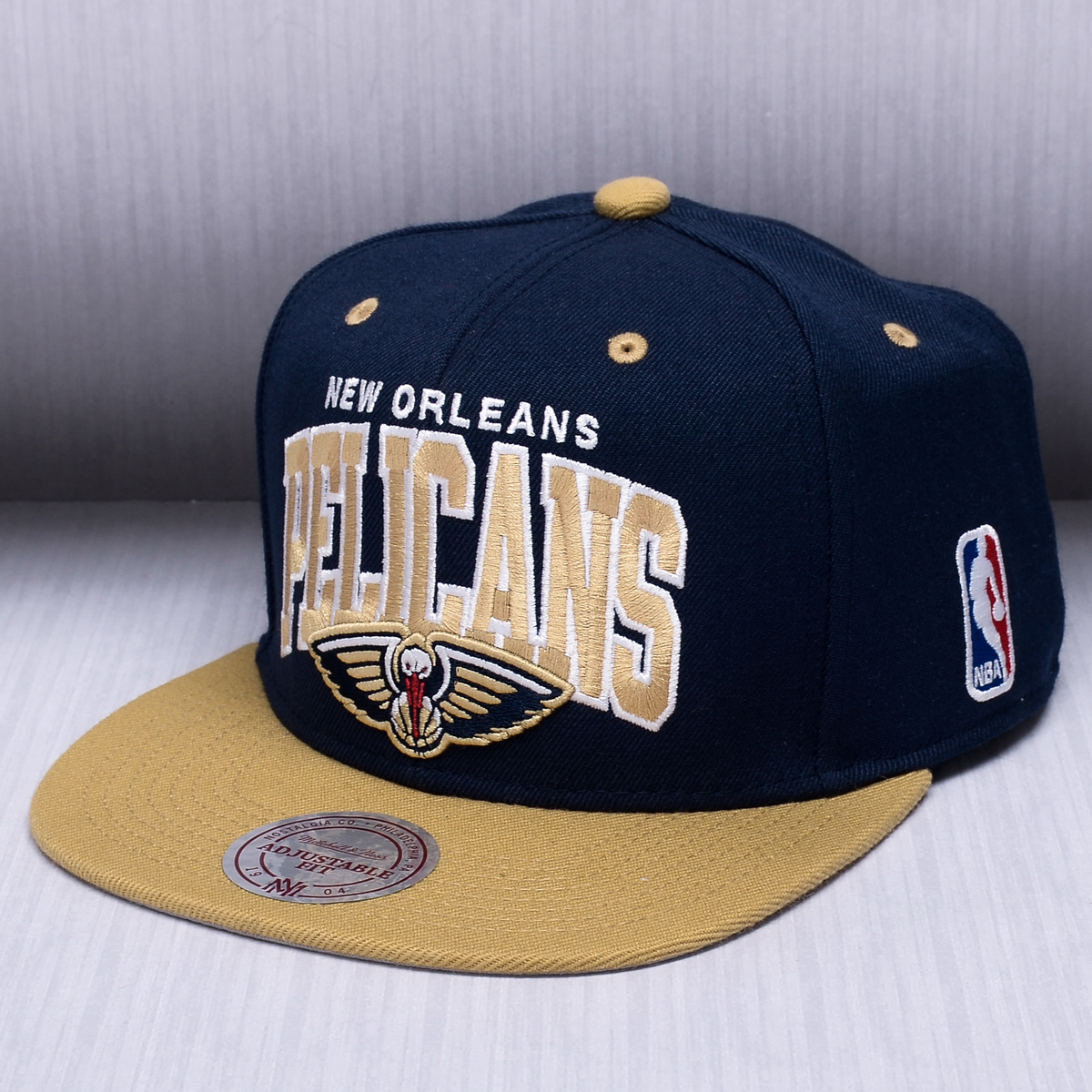 los angeles 6c308 f7426 ... shop mitchell ness nba new orleans pelicans team arch snapback cap  ac67c 03da1