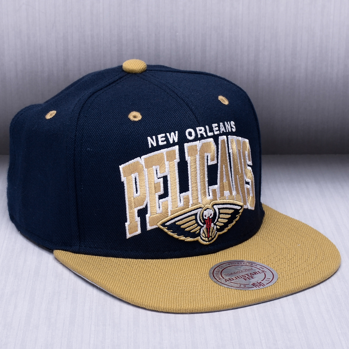 100% authentic 461d4 fe224 Mitchell   Ness NBA New Orleans Pelicans Team Arch Snapback Cap - NBA Shop  New Orleans Pelicans Merchandise - Superfanas.lt
