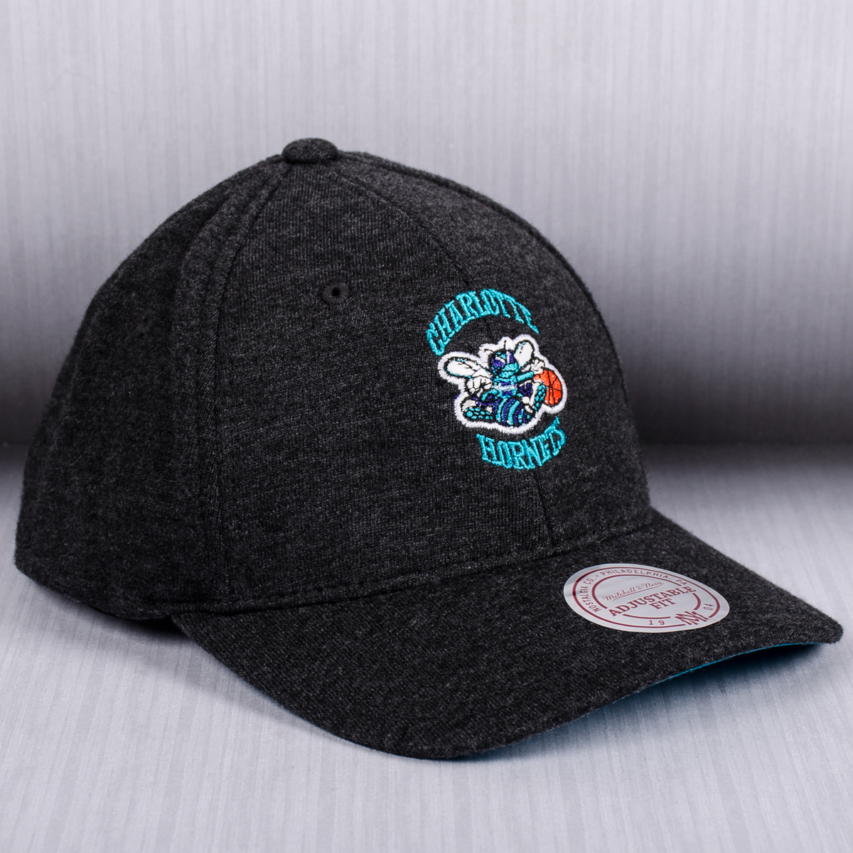 new concept 9e2eb 63891 Mitchell   Ness NBA Charlotte Hornets Sweat Cap - NBA Shop Charlotte  Hornets Merchandise - Superfanas.lt