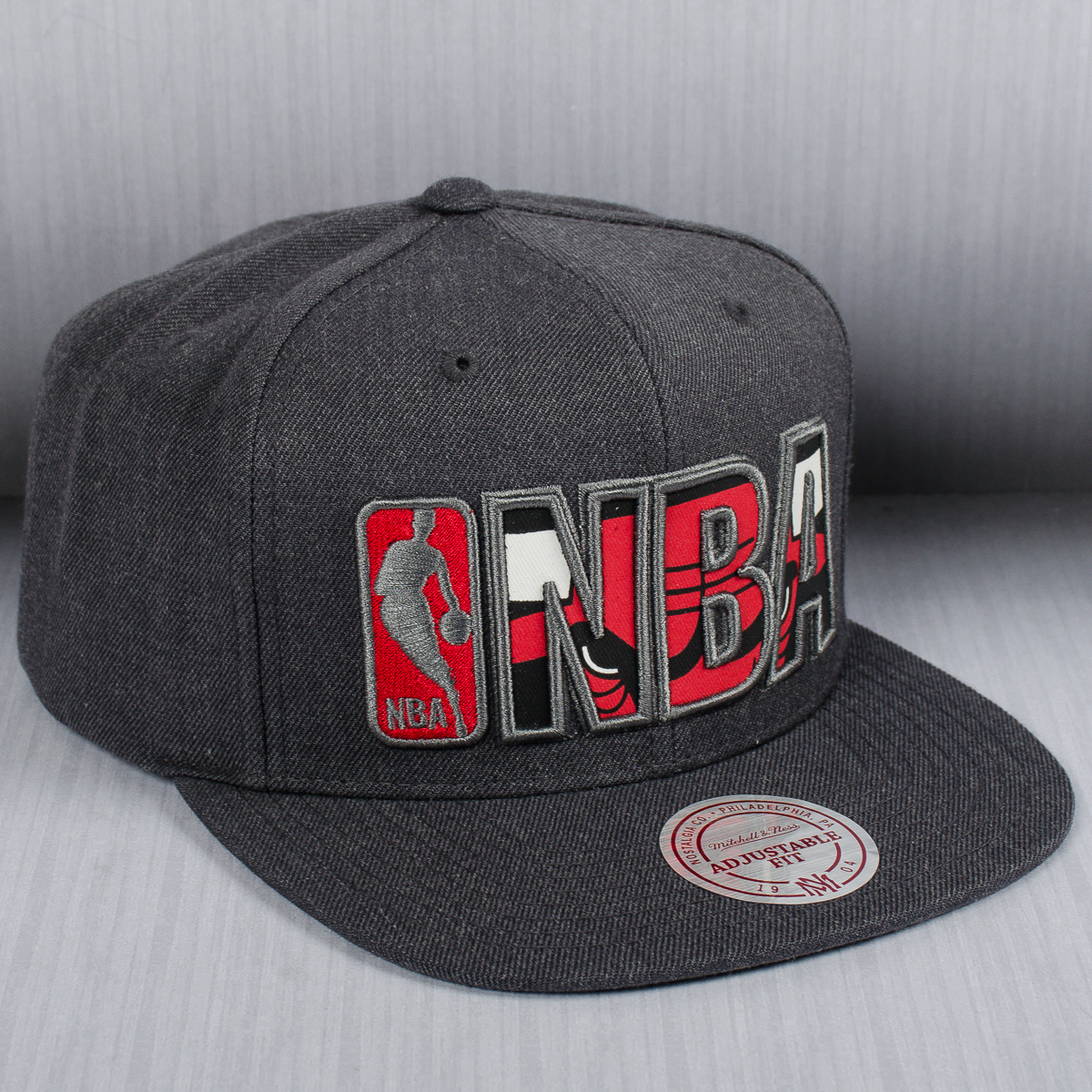 promo code f89c5 5f7a6 Mitchell   Ness NBA Chicago Bulls Insider Reflective Snapback Cap - NBA Shop  Chicago Bulls Merchandise - Superfanas.lt