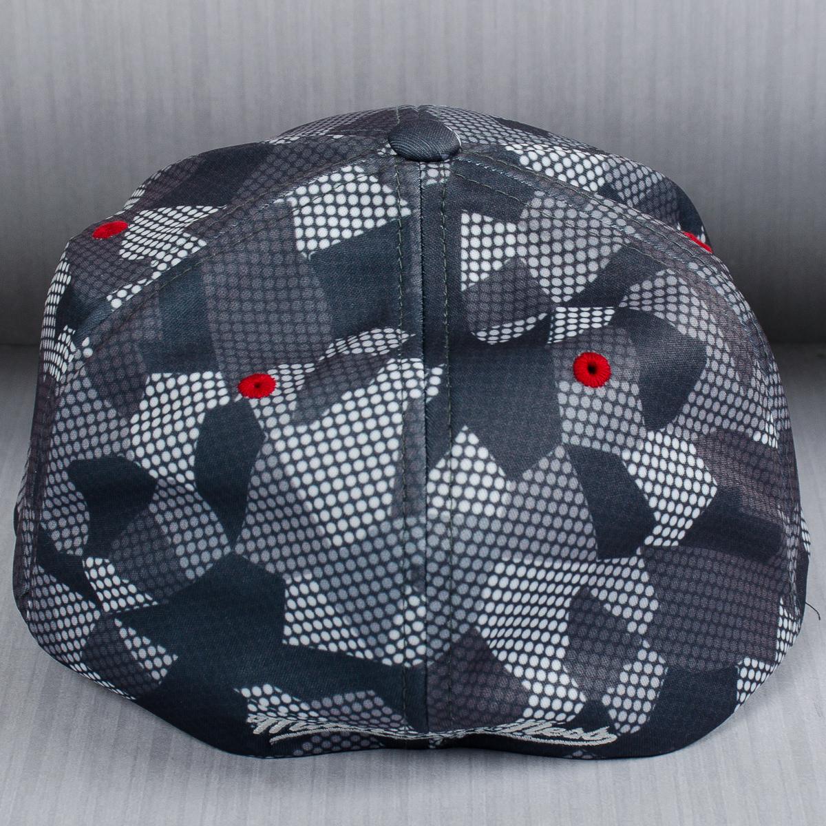 Mitchell   Ness NBA Chicago Bulls Carbon Camo Flexfit Slouch Cap ... 345b2b631e25