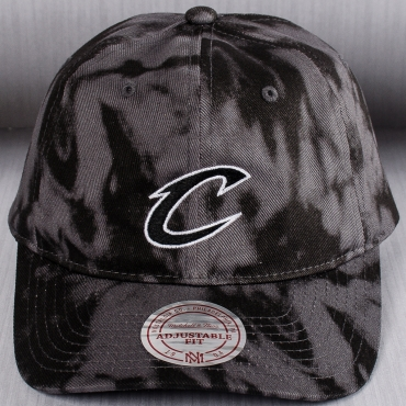 Mitchell & Ness NBA Cleveland Cavaliers Multi Colour Acid Wash Dad kepurė
