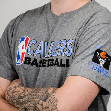Mitchell & Ness NBA Cleveland Cavaliers Team Issue Traditional Tee