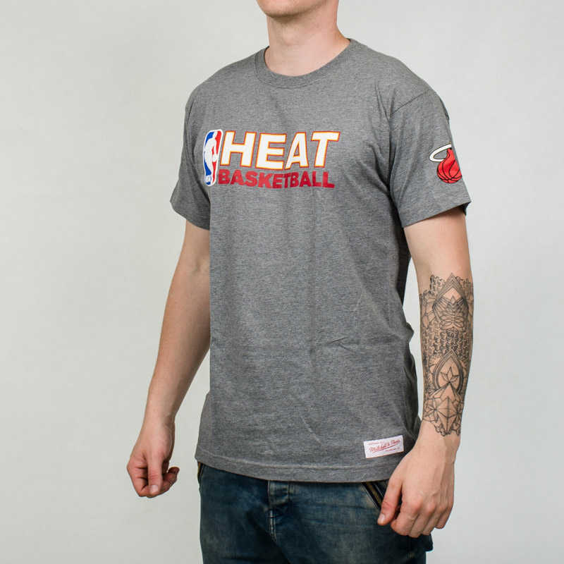 sports shoes 22868 df49c Mitchell & Ness NBA Miami Heat Team Issue Traditional Tee ...