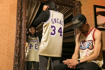 ... Jersey · Mitchell   Ness NBA Shaquille O Neal 34 1997 Gold Swingman ... 40bcd25f3