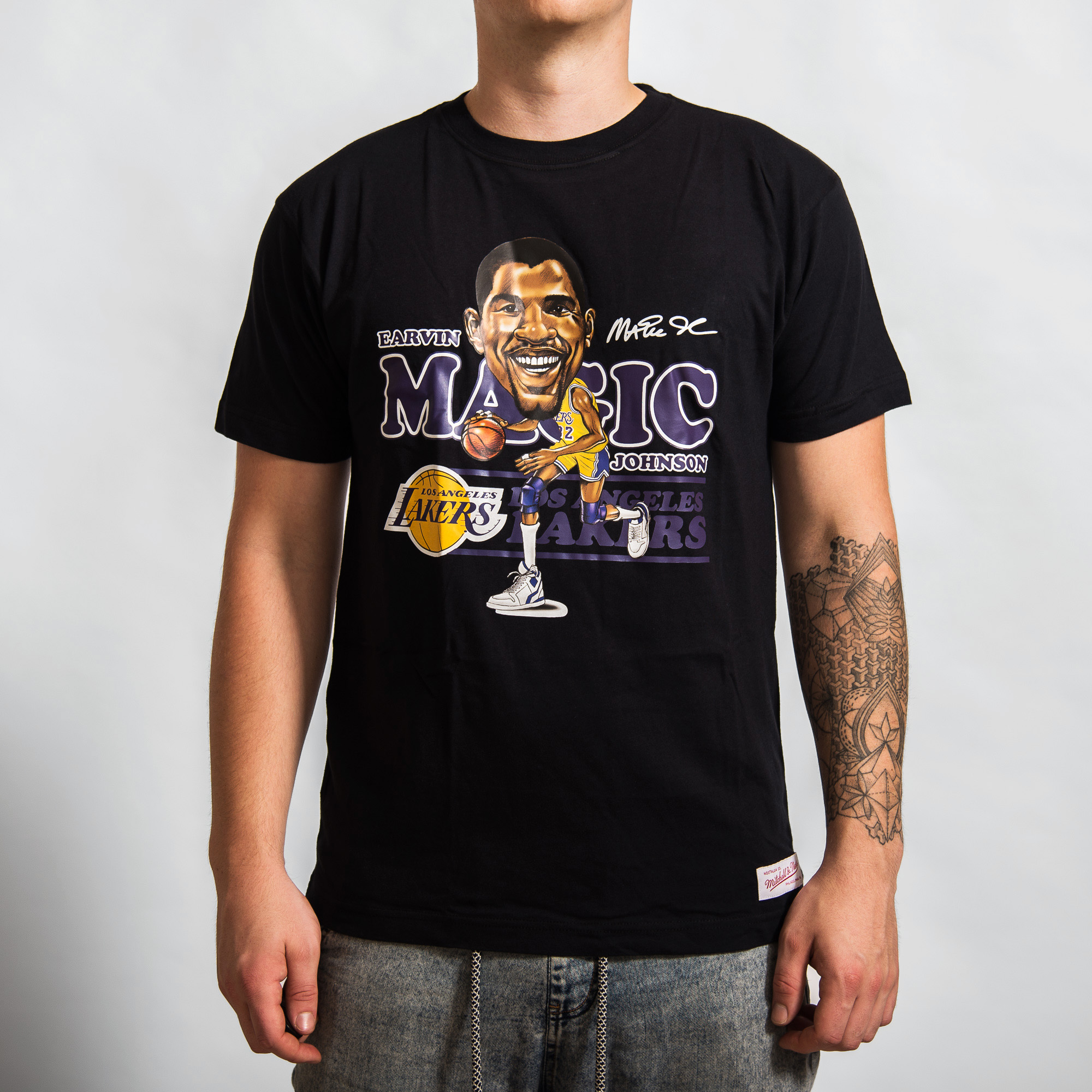 huge inventory 92c20 117fd Mitchell & Ness Caricature Los Angeles Lakers Magic Johnson ...