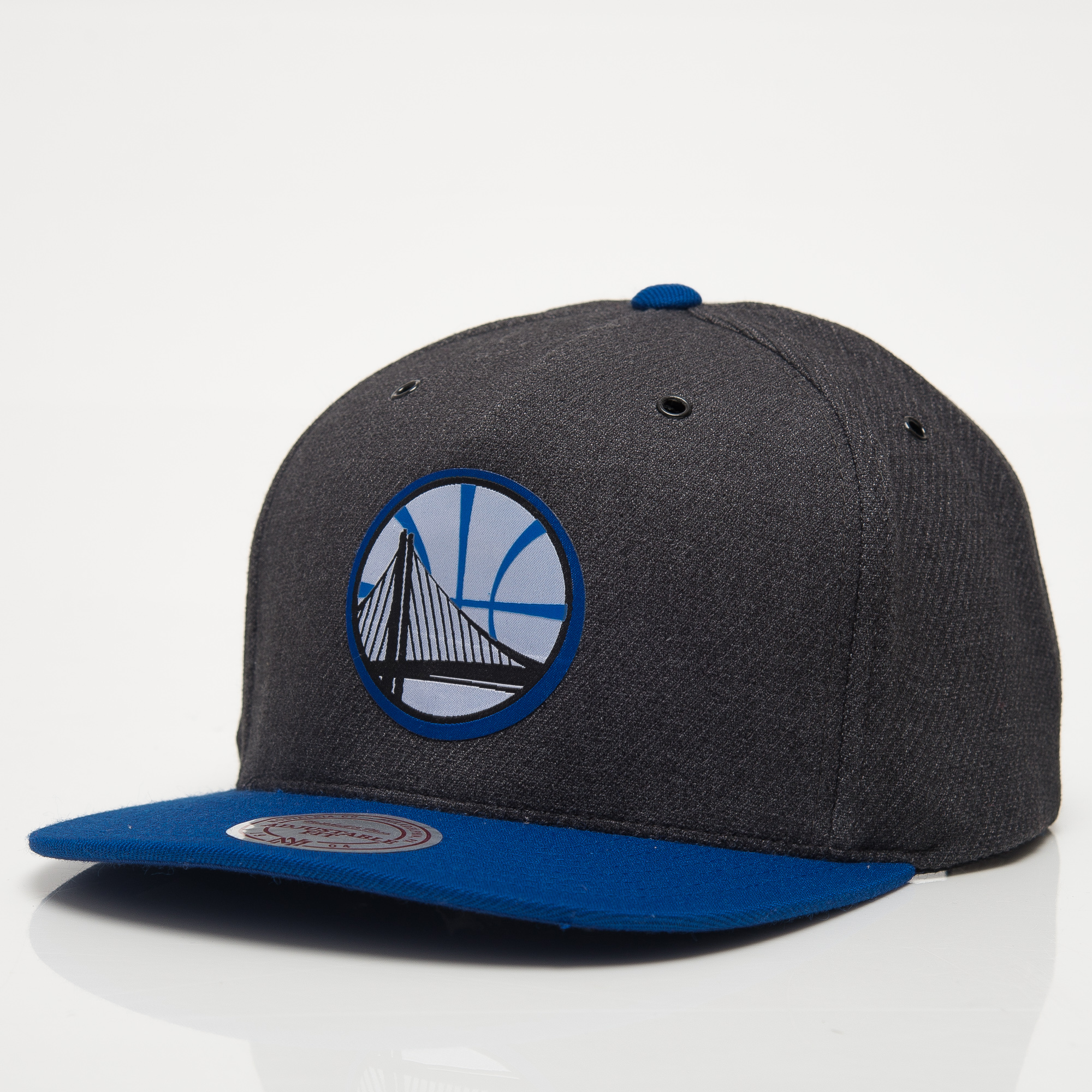 aed543a912d Mitchell   Ness NBA Golden State Warriors Woven Reflective Snapback ...