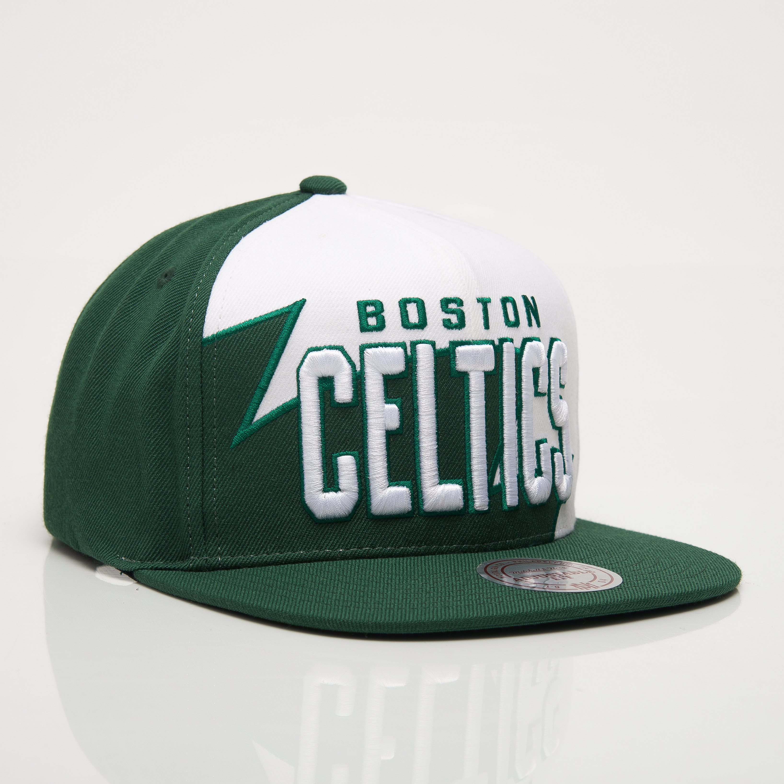 brand new 7a6aa 5285a Mitchell   Ness NBA Boston Celtics Shark Tooth Snapback Cap - NBA Shop  Boston Celtics Merchandise - Superfanas.lt
