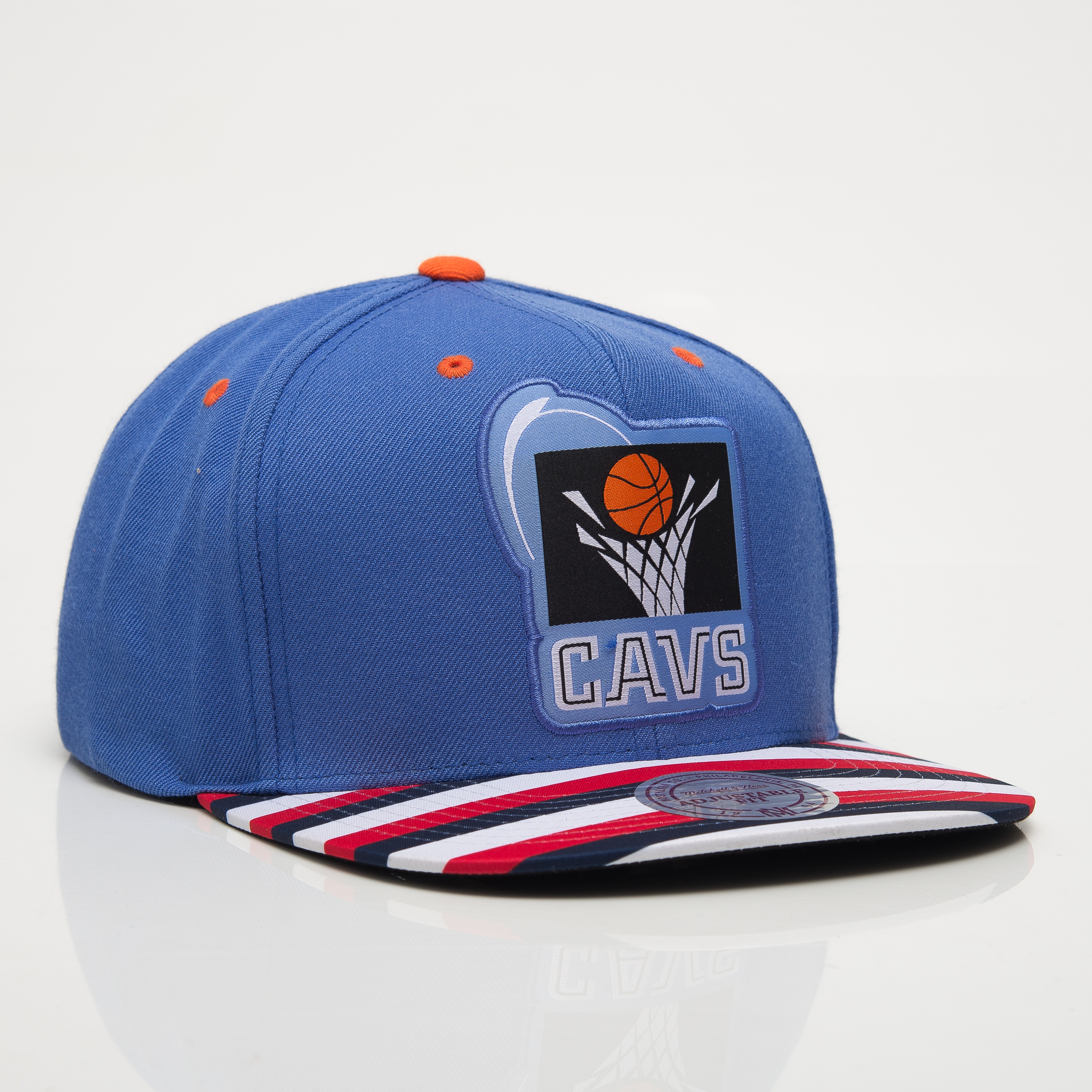 huge discount 71a2f 0f570 Mitchell & Ness NBA Cleveland Cavaliers Diamond Snapback Cap ...