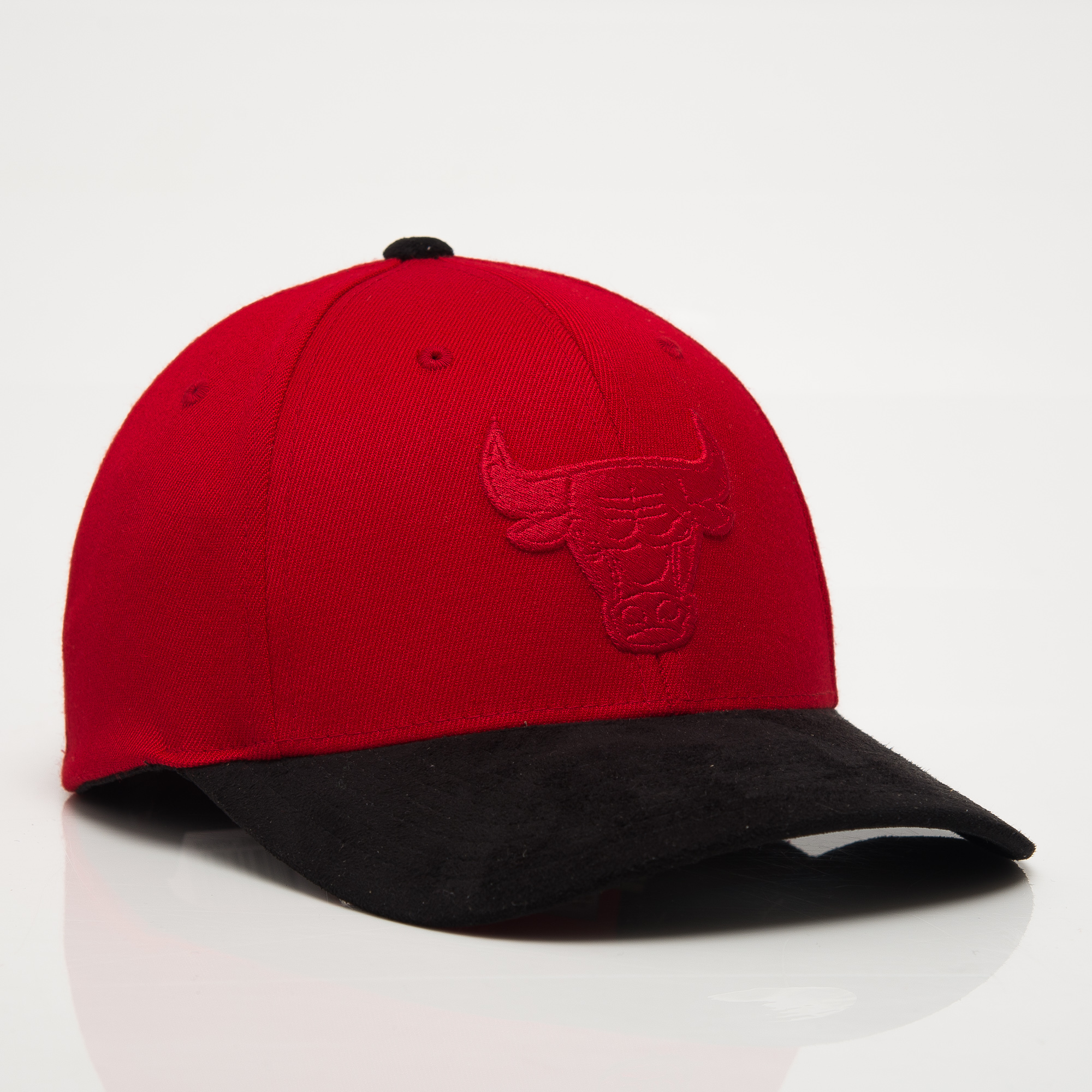 15a68092 Mitchell & Ness NBA Chicago Bulls 3D Suede 110 Snapback cap - NBA Shop Chicago  Bulls Merchandise - Superfanas.lt