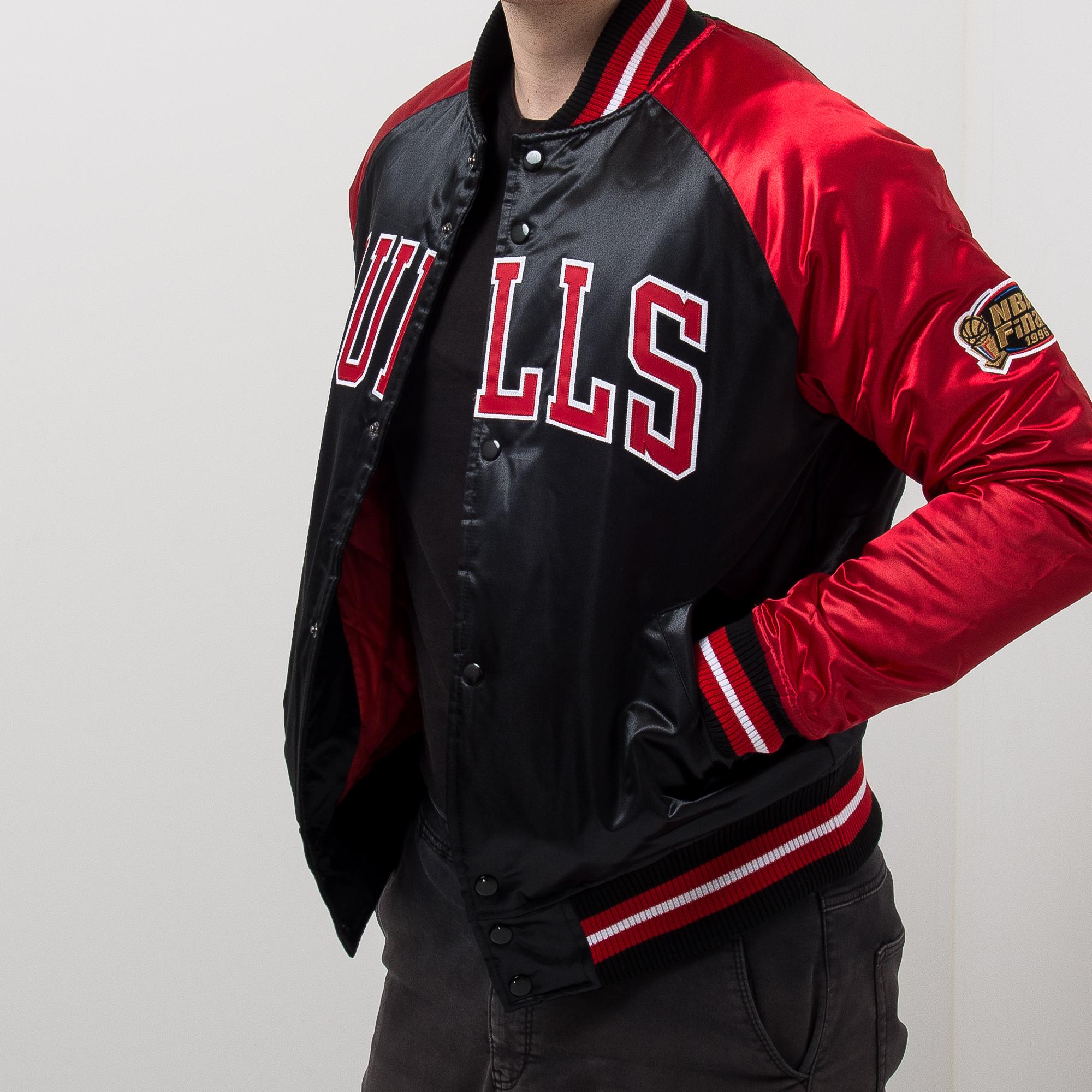 c3684db69 Mitchell & Ness NBA Chicago Bulls Tough Season Satin Jacket - NBA Shop Chicago  Bulls Merchandise - Superfanas.lt