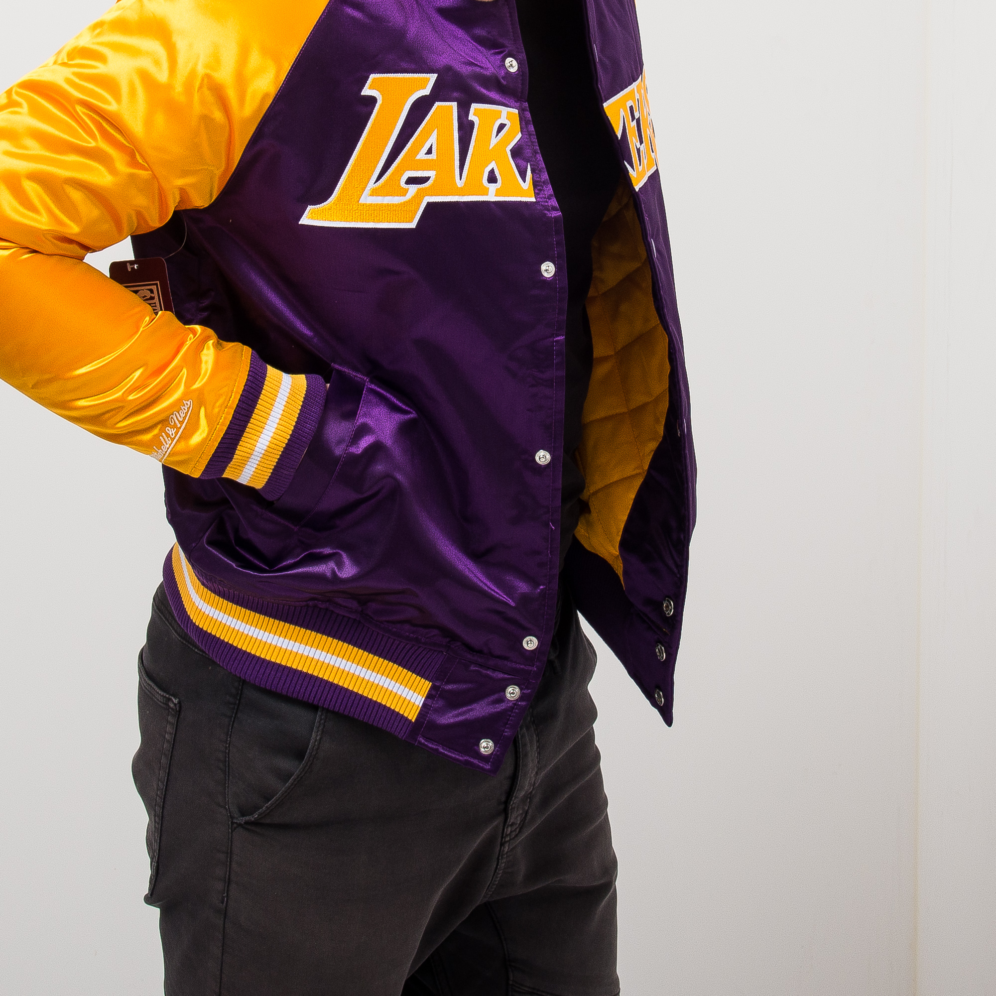quality design c87cc 5ef1d Mitchell & Ness NBA Los Angeles Lakers Tough Season Satin ...