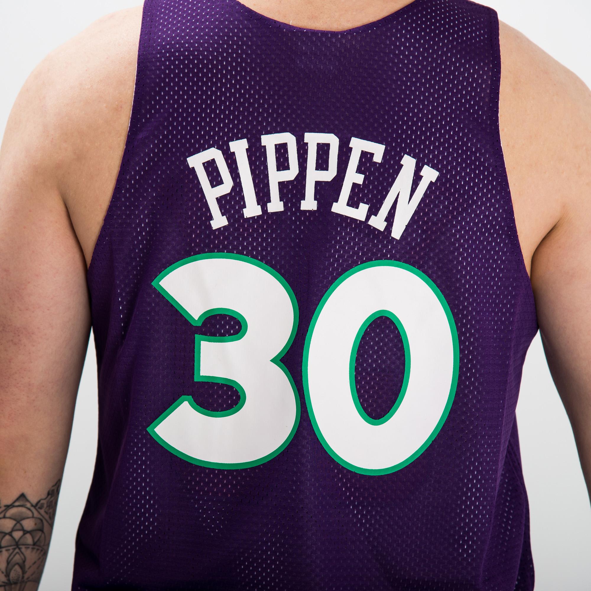 2a223dac1c18d Mitchell   Ness NBA Chicago Bulls-All-Star 1995 Scottie Pippen Reversible  Mesh Tank