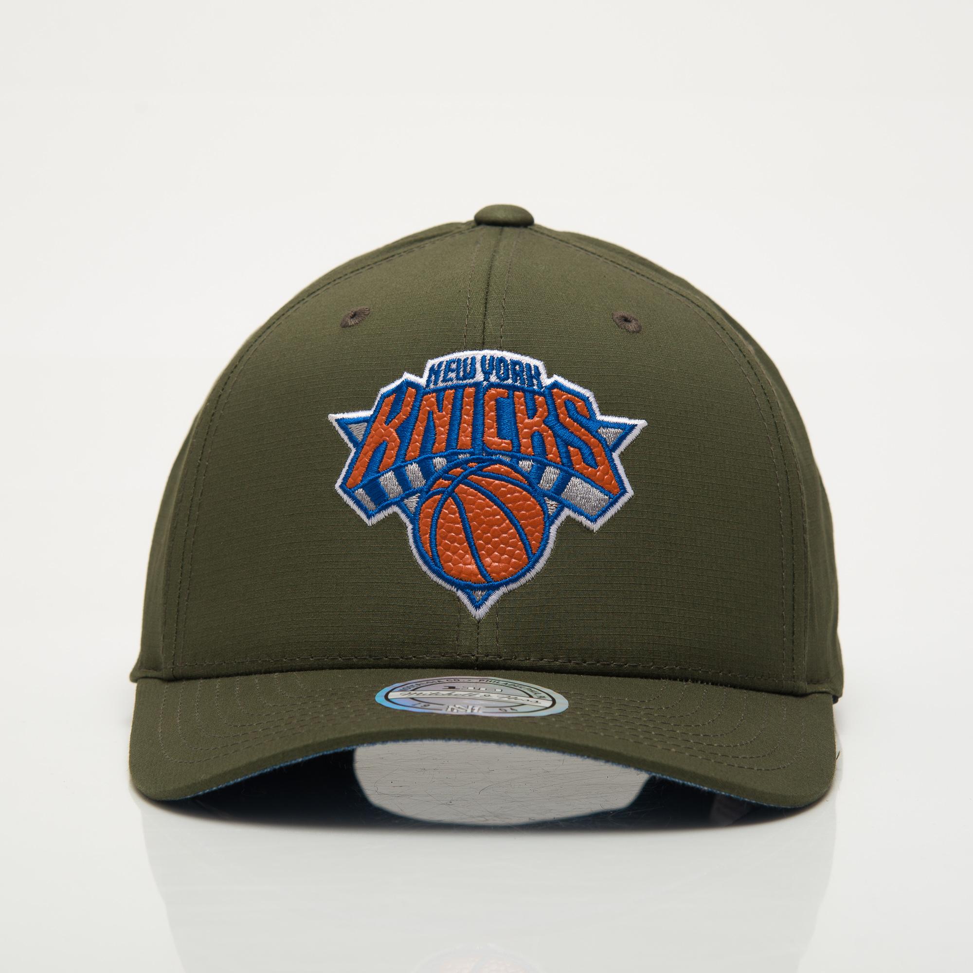 7b3f641c Mitchell & Ness NBA New York Knicks Battle Snapback Cap - NBA Shop ...