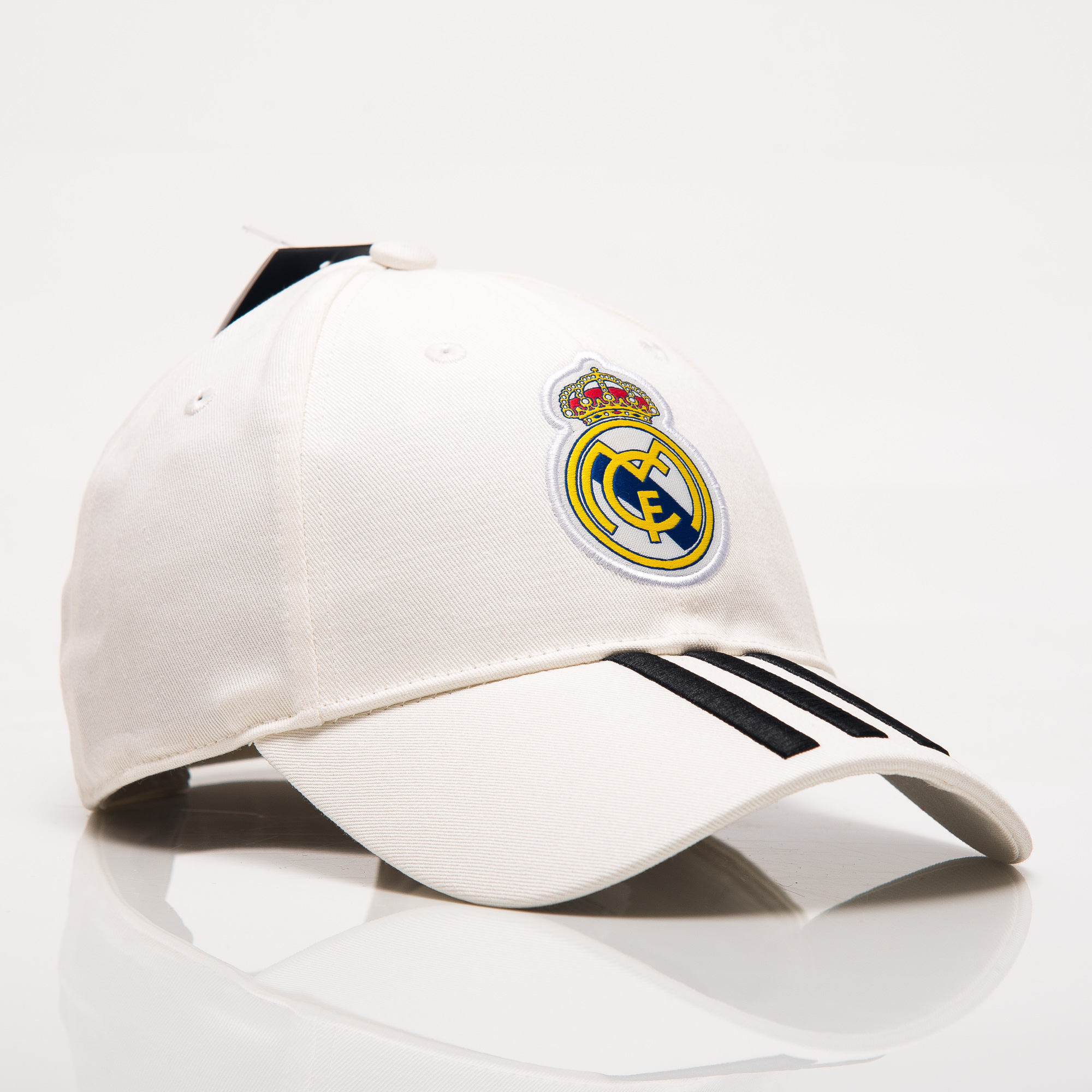 1fc3874f17a adidas FC Real Madrid 2018-19 3 Stripes Cap - Soccer Shop Real Madrid  Merchandise - Superfanas.lt
