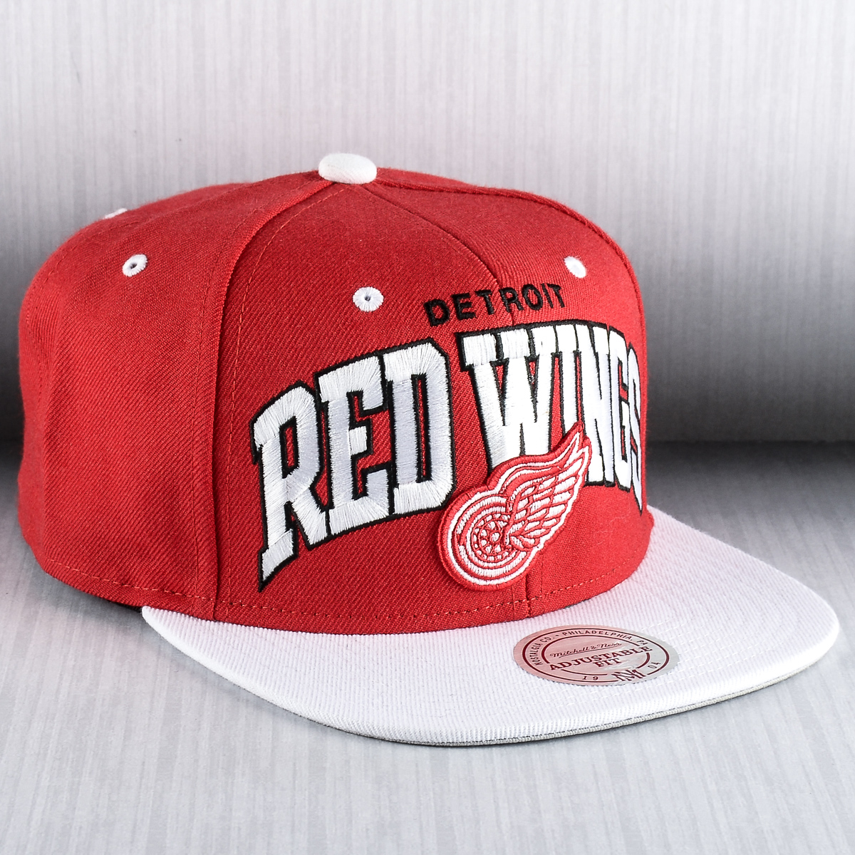 on sale 0f2f8 d3745 ... authentic mitchell ness nhl detroit red wings team arch snapback cap  4cc0c ec60e ...