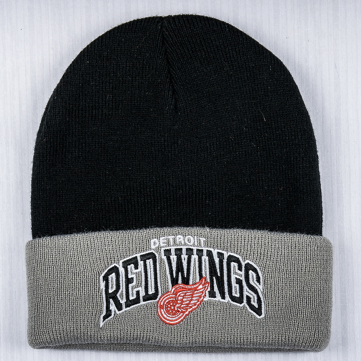 cheap for discount 7f54c 82813 Mitchell & Ness NHL Detroit Red Wings Arched Cuff Winter ...