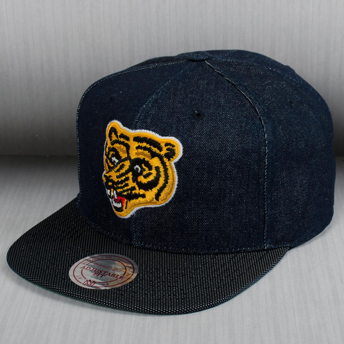 Mitchell   Ness NHL Boston Bruins Raw Denim Snapback Cap - MLB NFL ... 6d293aee09c