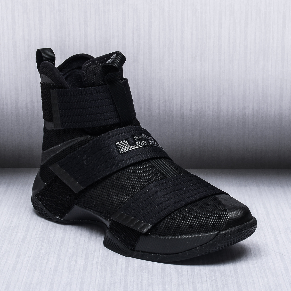 finest selection c006c c8837 ... lebron soldier 10 sort and guld nike lebron soldier 10 orange lilla