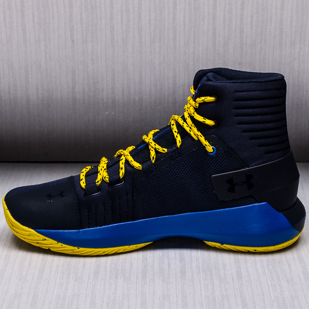 Under Armour BGS Drive 4 Kids Basketball Shoes ...