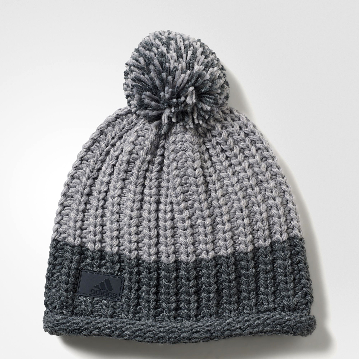 adidas WMNS Training Climawarm Chunky Winter Beanie - SPORTING GOODS Caps  c4636a5d4d2f