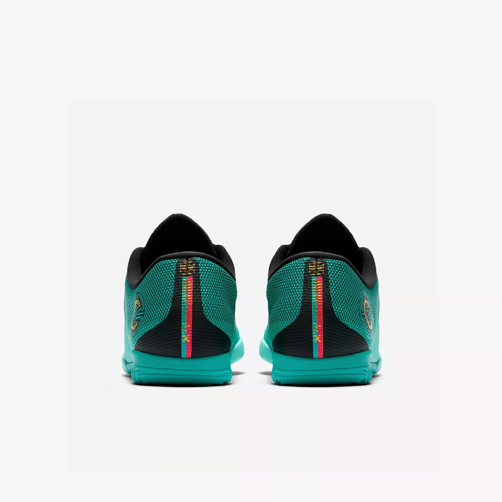 brand new 42d46 75b56 Nike MercurialX Vapor XII Academy CR7 IC Soccer Cleats