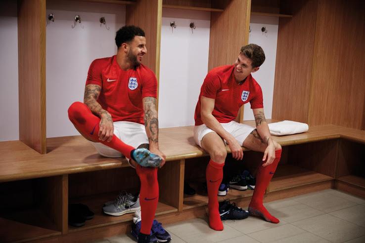 Anglijos rinktinės 2018 pasaulio čempionato apranga