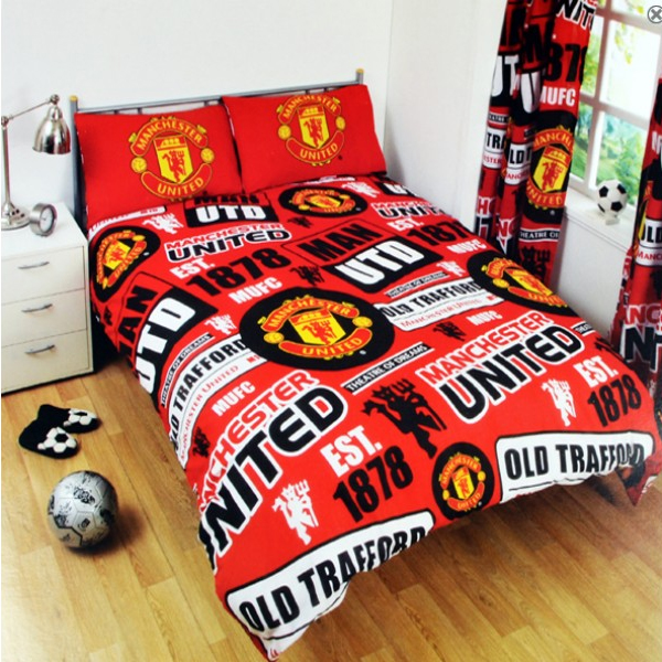Manchester united bedding 28 images manchester united for Man u bedroom accessories