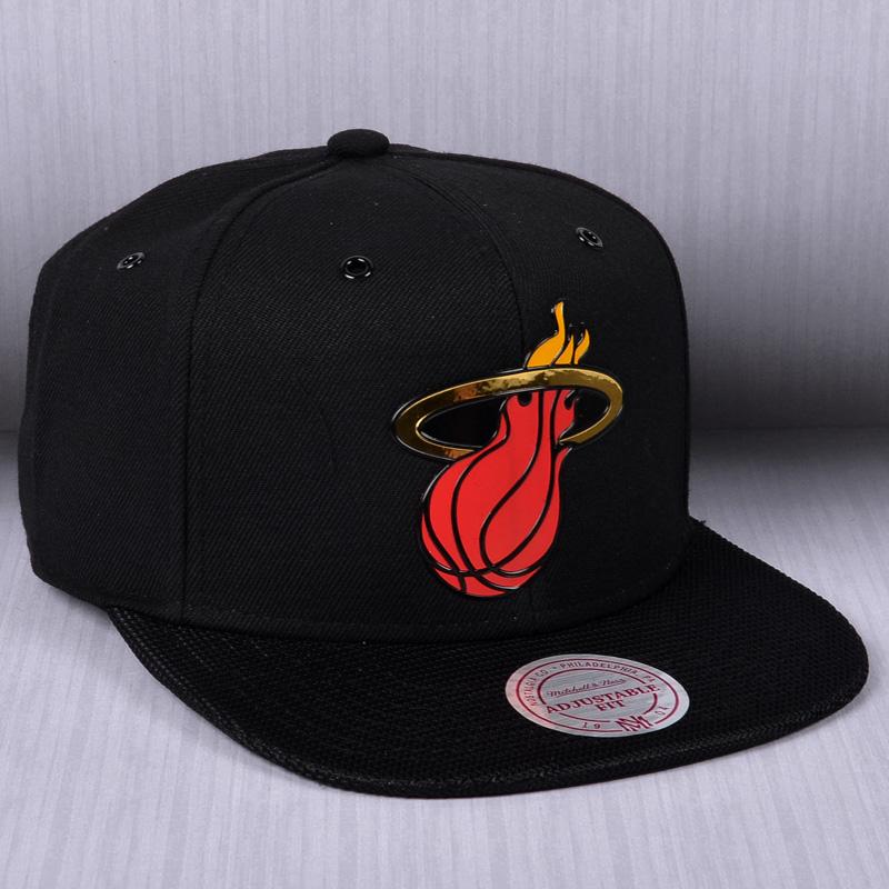 8ae26cbe738 Mitchell   Ness NBA Miami Heat Carat Snapback Cap - NBA Shop Miami Heat  Merchandise - Superfanas.lt